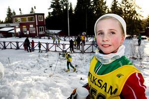 För Allie Johansson, 9 år,  är skidor, främst längdåkning, favoritsporten. Allie kunde notera framgångar då hon  på lördagen tävlade för Sellnäs IF.
