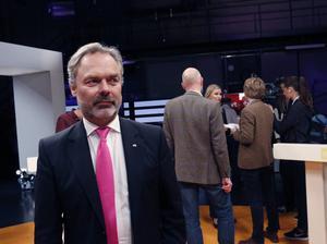 Jan Björklund (FP) vill att Sverige ska vara öppet för mer insatser mot IS och väntas göra ett utspel på tisdag.