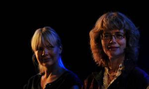 """Marie Robertson och Marika Lagercrantz spelar huvudrollerna  i """"Oskuld"""" av den tyska dramatikern Dea Loher.Foto: Joakim Strömholm"""