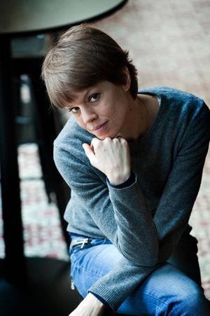 Johanna Nilsson, författare uppvuxen i Borlänge. Aktuell med sin tionde roman