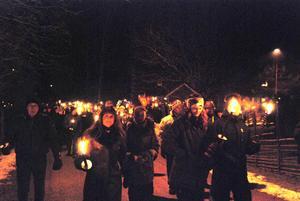 Flera hundra människor kom till Käringberget för att tillsammans avsluta det gamla året.