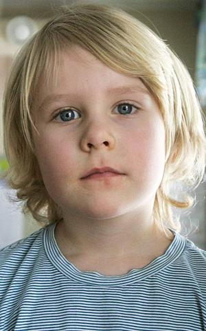 William Andersson,5 år, Pilgrimstad:– Lisa. Det är ett fint namn tycker jag. Och Mari. Jag tycker att det också är ett fint namn. Jag känner en som heter Mari. Hon bor i Anviken.