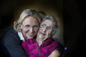 Mayvor Madsen och dottern Britt-Lousie Madsen.