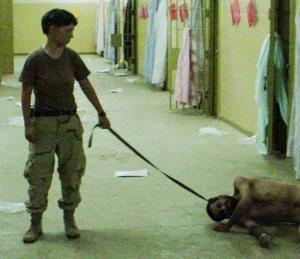 SKANDALBILD. Amerikanska soldater som hånade fångar i Abu Ghraib-fängelset.