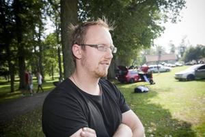 Henrik Andersson från Enköping har en Audi A4 som han lackerat om till en rosthög.