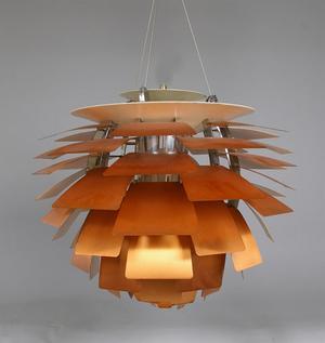 """Lampan """"Kotten"""" av Poul Henningsen kopieras ofta."""