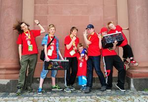 NXTeam utanför tävlingsarenan Rosengarten I Mannheim, Tyskland. Från vänster :Martin Storkamp, Ludvig Björk-Förare, Faniel Wiman, Petrus Ågren, Nils Eriksson, Osak Ågren och Gabriel Ågren.
