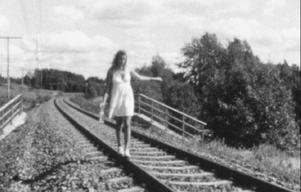 """""""Dear Cupio"""" heter en knappt fem minuter lång film av Louise Mellergård, som filmats med Super 8-kamera och handlar om en relation som går i kras, på bilden Linn Mosten."""
