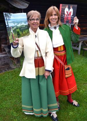 Mejts och Susannes bok är den första i sitt slag i Sverige då den kommer komplett med mönsterark till vuxna och barn.