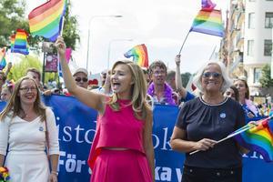 Ebba Busch Thor i Pridetåget 2016.