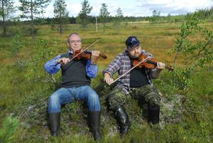 Bröderna Moraeus spelar Koppången i Koppången.
