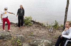 En svensexa spelade chipboll vid Roxnäs Udde. Den blivande brudgummen Niclas Eriksson utmanade ---