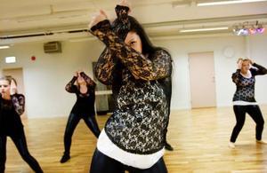 Sophia Enjebo är en av dansarna på Dancehall. På söndag har de sin första show. Foto: Ulrika Andersson
