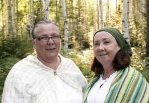 Gruvkärringarna sätter i gång oss vid starten: Lena Norrvik och Anki Latvala