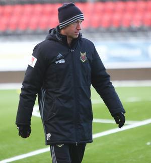 En frusen Graham Potter under förmiddagspasset, den sista träningen under årets allsvenska säsong.