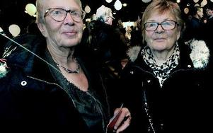 Siw Thorwalls och Tyra Sahlander undrade om allt blir klart. Foto: Staffan Björklund