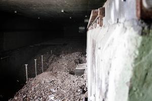 Allt fluff är inte borta. Några ton finns kvar i fabriken.