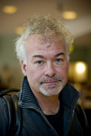 Hörselforskaren från Dalarna, Thomas Lunner, är utsedd till årets alumn vid Linköpings universitet.