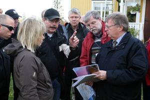 Stora delar av förhandlingarna hölls utomhus där deltagarna och domstolen fick se Glötesvålen från flera olika synvinklar.
