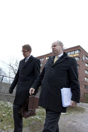 Länsråd Håkan Eriksson tillsammans med tidigare landshövding Mats Svegfors.