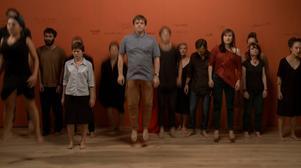 Kollektivt med Chto Delat. Stillbild från videoinstallation. The Excluded. In a Moment of Danger (2014)