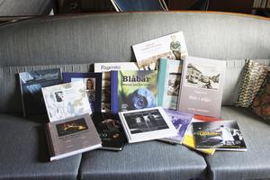 Urval. Peter har varit delaktig i att ge ut omkring 15 böcker. Här är några av dem inklusive böckerna han gjort tillsammans med Margaretha.