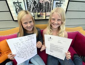 Kompisarna Kajsa och Leija kan tänka sig att skriva fler brev till statsministern.