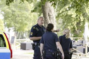 GAMLA BEKANTA. Björn Gröndahl från polisen känner igen de misstänkta inbrottstjuvarna sedan tidigare.