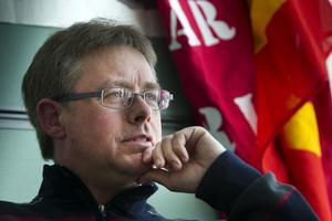 Oppositionsrådet Mikael Löthstam (S), kan tänka sig att rädda välfärden med höjd skatt.