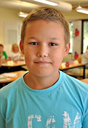 Anton Ivarsson, 10 år, klass 4:– Det är roligt att träffa kompisarna fast sommarlovet hade gärna kunnat få vara lite längre.