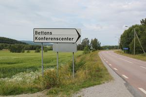 Före detta Bettans konferenscenter blev asylboende i maj förra året. Idag ägs och drivs boendet av Helsingborg boendeförvaltning. I september går boendets avtal med Migrationsverket ut, men det kan komma att förlängas.