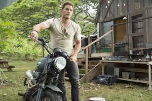 Chris Pratt som Owen, en av huvudpersonerna i