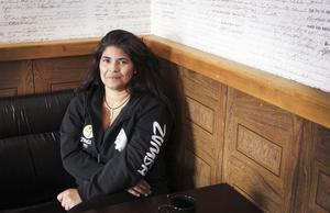 Beslutsam. Lucila Jensen bestämde sig för att hitta sin biologiska familj i Chile. Efter flera års sökande hittade hon äntligen sin familj. Hon har fortfarande inte träffat alla, men hon planerar att göra många fler resor till sitt födelseland.