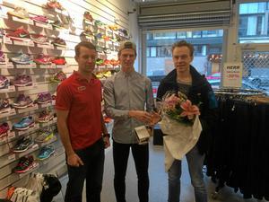 Adam Axelsson, skridsko och cykel, tilldelades den första Pulsklockan, för 2014.