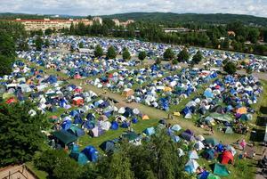 Smockfullt. Borlänges fred- och kärleksfestival bara växer, tusentals bodde i år på campingen, något som hjälper till att sätta Borlänge på kartan.