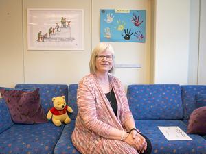 Barn till föräldrar med missbruksproblem eller med ett kriminellt beteende känner ofta skam. Ilska och besvikelse kan vara andra känslor, säger Kristina Renard-Hård.