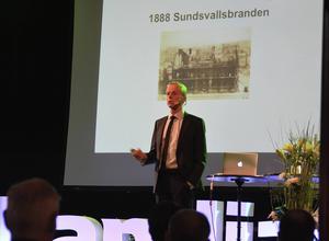 Sundsvallsbranden 1888 var en stor börda för försäkringsbolagen. Efteråt bidrog Skandia till att det anställdes brandingenjörer och till att utveckla lokala brandkårer, berättade Bengt-Åke Fagerman.