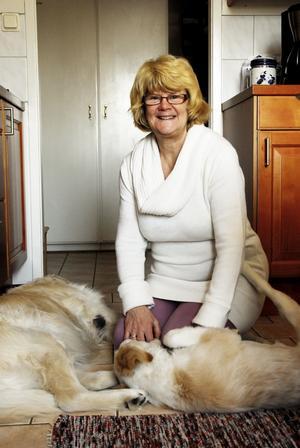 Lola Frejdig har trivts med sitt yrke som vårdbiträde. Nu går hon i pension efter 40 år inom äldreomsorgen och 35 år på Nordlund.