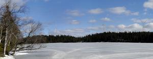Montage. Så här kommer det att se ut när vindkraftverket är på plats i Kyrkberget. Foto:Fotomontageav RES Skandinavien