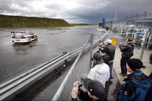 Uppvisningstävlingen i drifting på Motormässan var det som drog mest folk. Joel Yveborg från Örnsköldsvik (på bilden) tog hem segern i tävlingen.