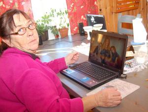 Maud Sehl fick sin dator kapad av en man som sa sig ringa från Microsoft. Nu vill hon varna andra att inte gå på samma sak som hon gjorde.