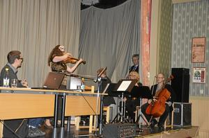 Ljuvligt. Fullmäktigemötet i Askersund inleddes med ljuvlig musik fråm Norra Vätterns musikskola.