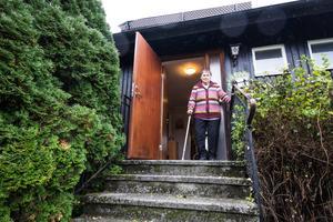 Inga Gustavsson behöver en ramp för att kunna ta sig ut ur huset med sin rullator.