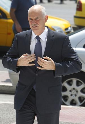 Pressat läge. Den grekiske premiärministern George Papandreou är i stormens öga, med krav från EU/IMF och ständiga protester mot just dessa krav.