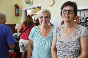 Ulla-Britt Lindblad och Lena Schedin arrangerar loppisen tillsammans med Bolegården för åttonde året i rad.