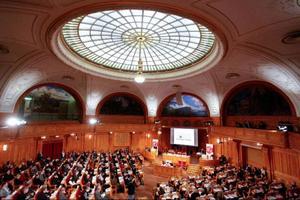 På lördagens förtroenderåd i riksdagens andrakammarsal utsågs också den valberedning som ska ta fram förslag till en ny partiordförande för sossarna.  Foto: Scanpix