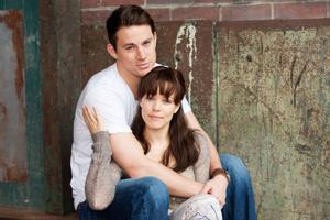 """Ska Leo  få sin hustru Paige att bli kär i honom igen? Det är den stora frågan i """"Älska mig igen""""."""