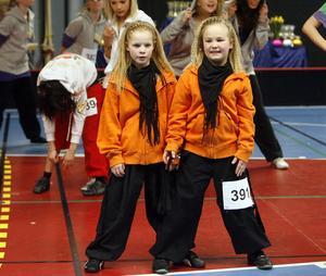 Jonna Tuohimaa och Tyra Bergström ser ut som två tvillingar.