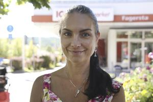 Mariah Ljungqvist, 41 år, mammaledig, Skåne: – Ja, det är lättare att få ett snabbt svar när man googlar direkt än att ringa 1177 som kan ha lång kö. Men det gäller att läsa källkritiskt.