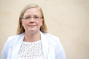 Att en extremist deltog under under Sverigedemokraternas valvaka är inget bekymmer för riksdagsledamoten Julia Kronlid (SD).